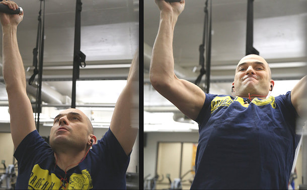 A man in two photos doing pull ups a gym